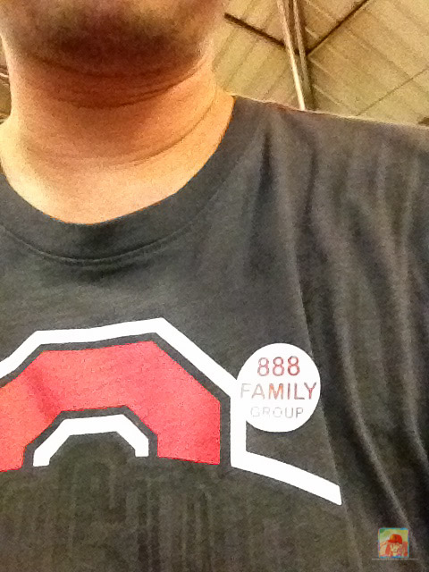 888 family seafood sticker