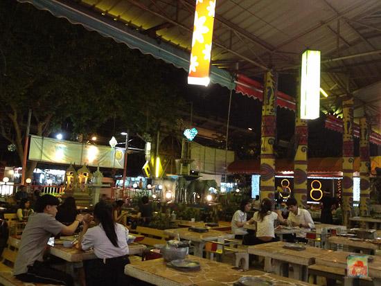 eating out in bangkok
