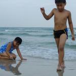 mew and dew at hua hin beach-2
