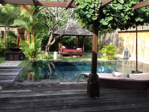 A small yet cozy private pool...