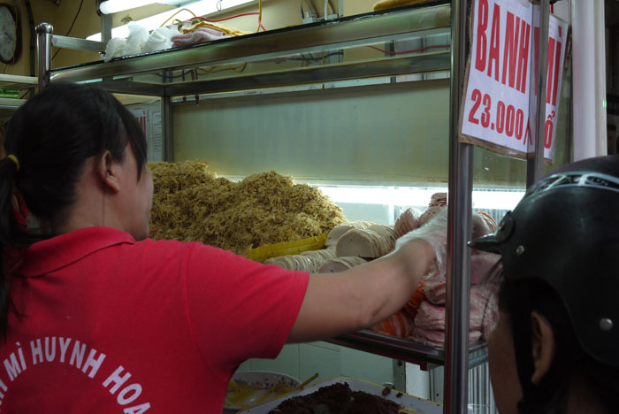 23,000 Vietnamese Dong for a sandwich, about $1USD. What a bargain!...