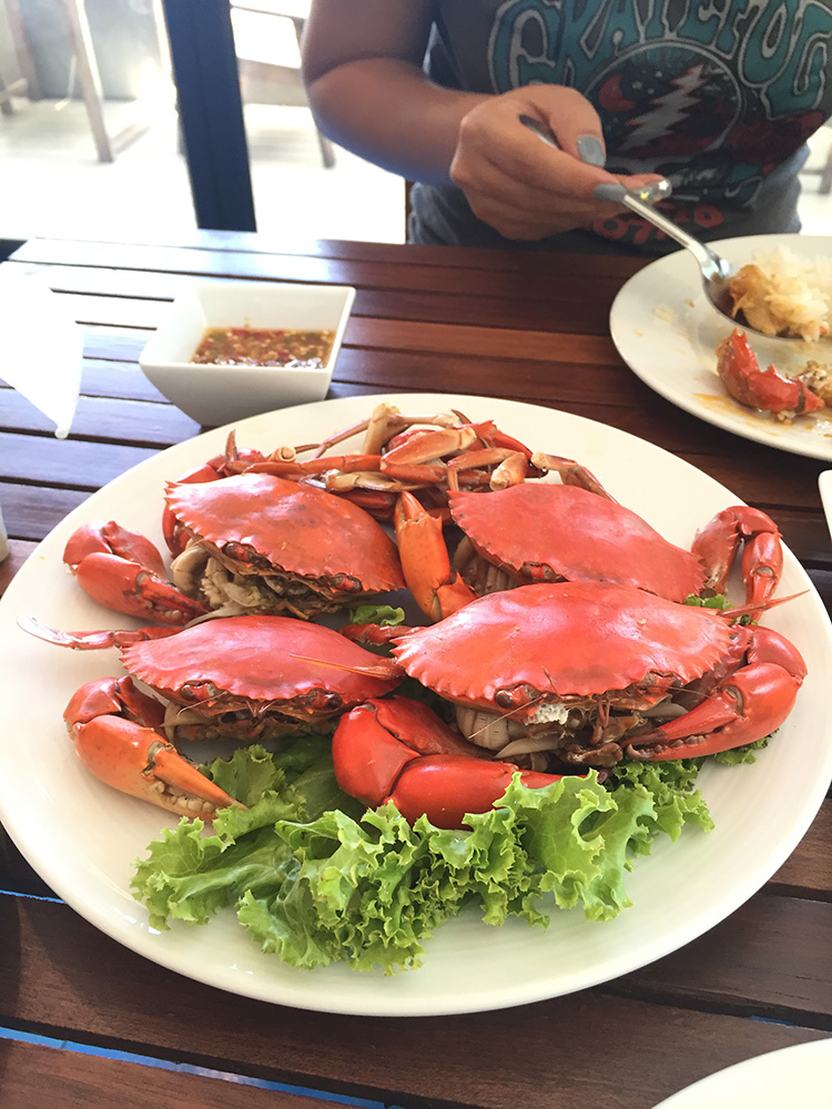 Fresh steamed crabs... on the small side but were still good...