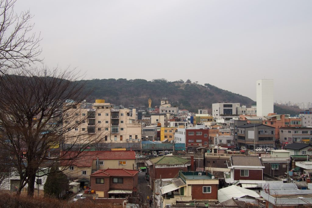 Daeseungwon Temple in the distance...