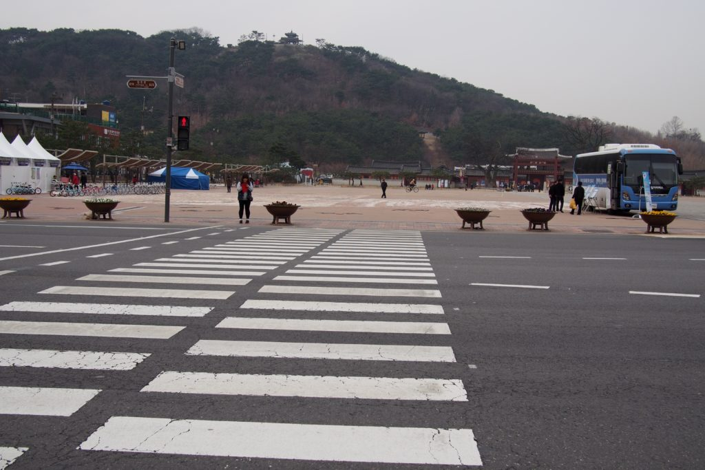 Cross this wide avenue and you'll be in front of Hwaseong Haenggung Square and the front entrance of Hwaseong Temporary Palace...
