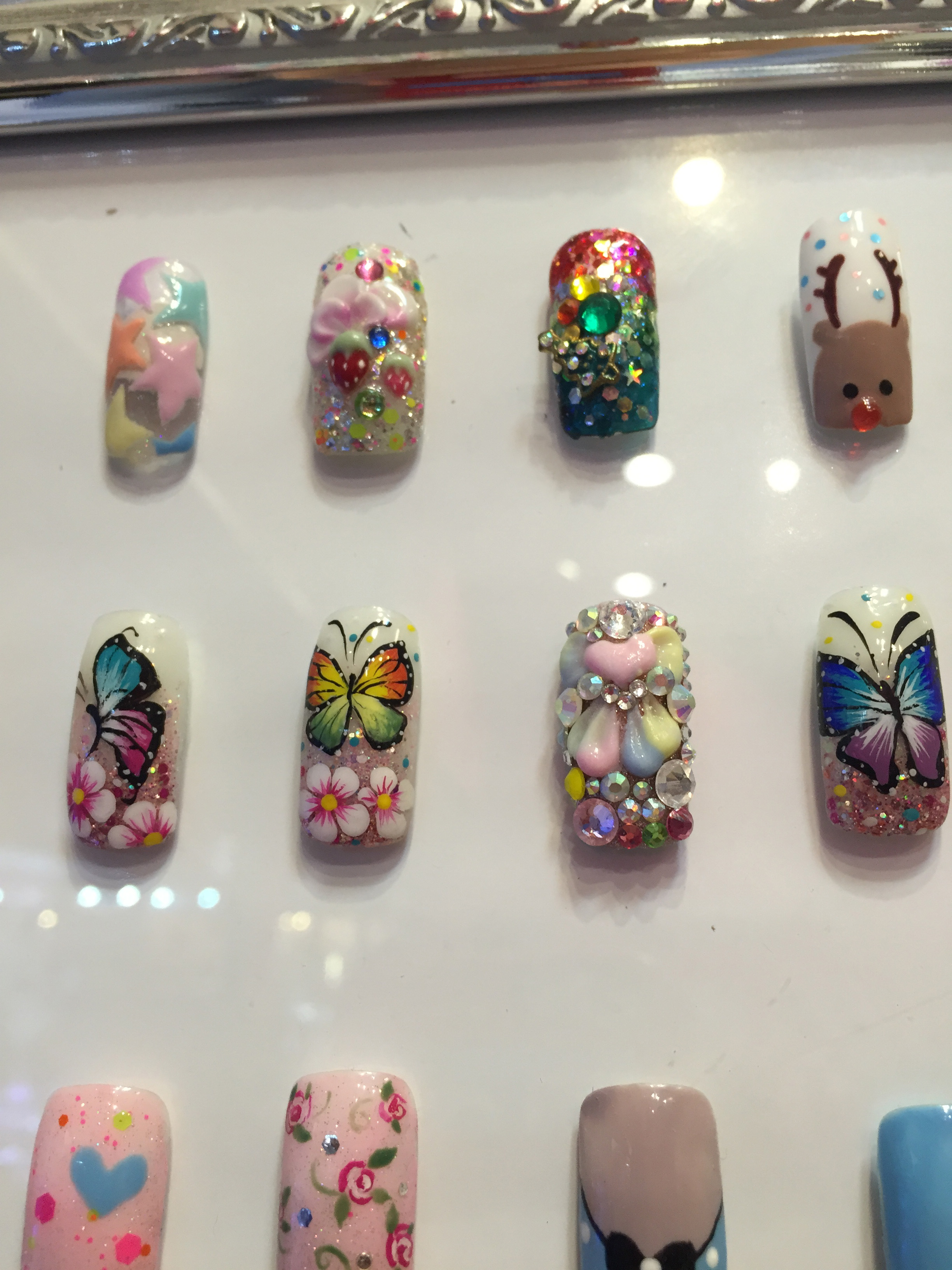 Where to find the best nail salon artists in bangkok the for Acrylic nails salon prices